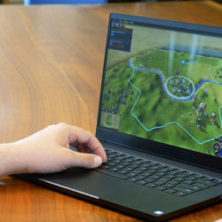 portable gamer razer blade 15